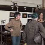 6_101-Loretta-Cuda-with-visitors-2